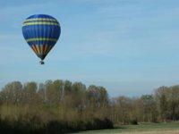 Frolez les cimes de la Marne en montgolfière