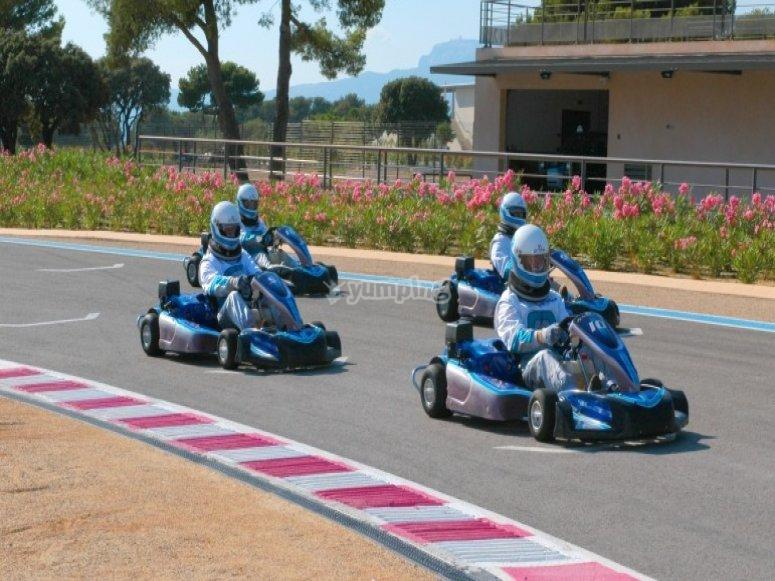 paul ricard karting test track karting. Black Bedroom Furniture Sets. Home Design Ideas