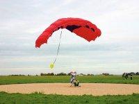 La piste d'aterrissage parachute