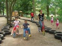 Jeux enfants a St Leger.JPG