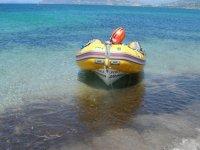 Canot sur la mer