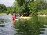 Descente de loisir en kayak enfant