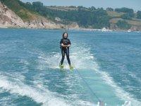 Ski nautique tracte
