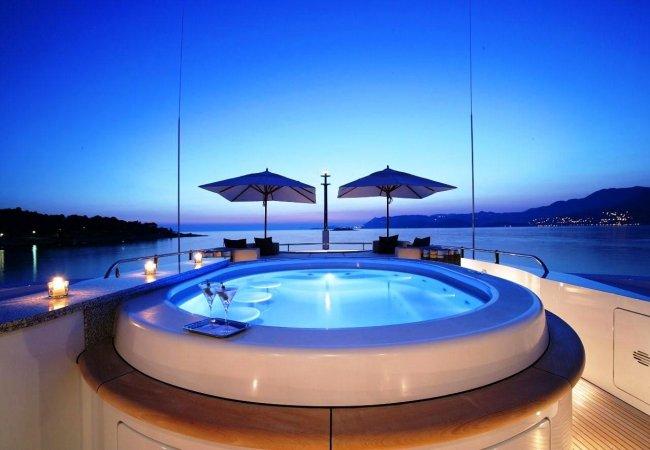 Jacuzzi yacht de luxe